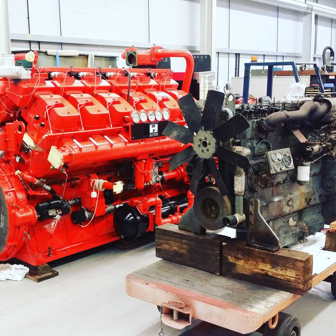Little and Large! Waukesha L5792DSU fire pump engine overhaulled and tested and #dorman 6LDT standby generator to be overhaulled for short engine #dieselpower #engineering #engine #engineeringlife
