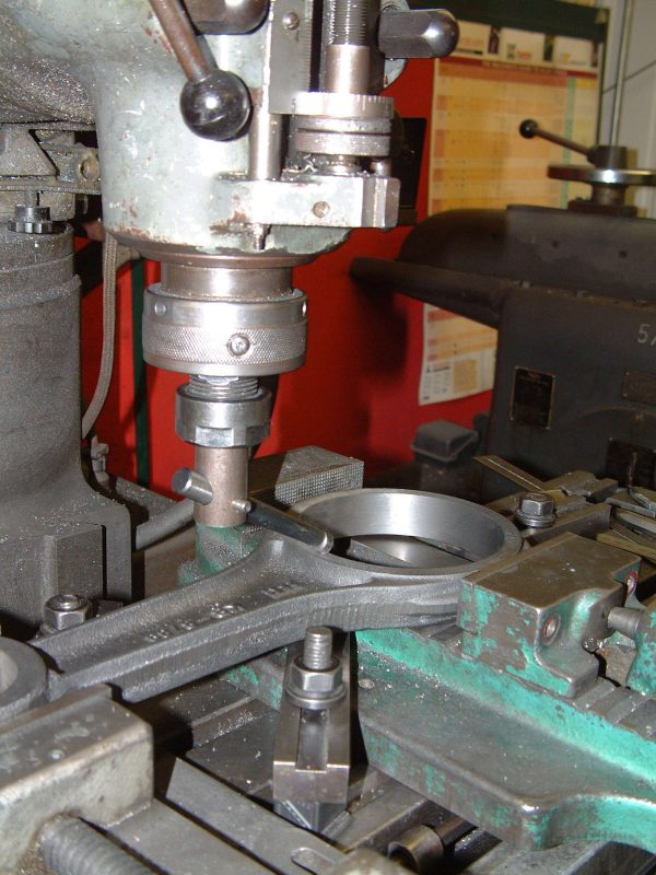 Bauer / Deutz compressor conn rod machining